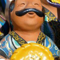 Figura folk di ceramica