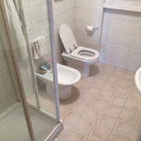 Appartamento Q8-il bagno con doccia