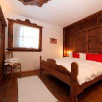 Stalla master bedroom