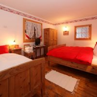 Stalla second double bed room with extra single bed