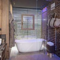 bathroom villa premium